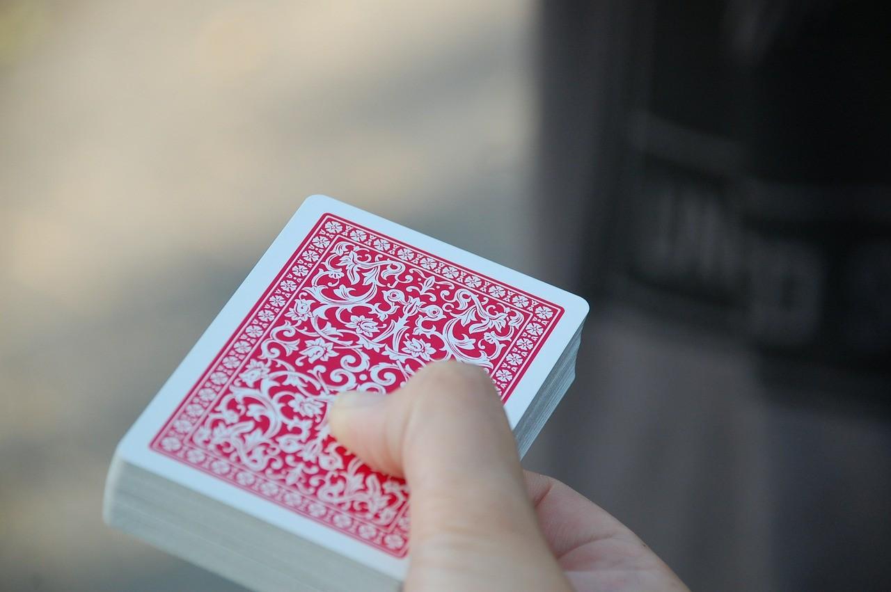 Conseils pour appliquer aisément les règles du jeu de la belote